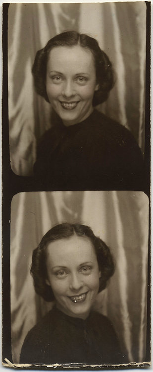 PARTIAL PHOTOBOOTH STRIP ELEGANT SMILING PRETTY WOMAN
