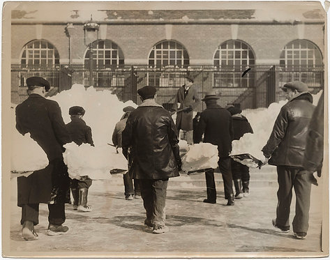 PRESS PHOTO UNUSUAL ODD ARMY SNOW SHOVELERS in FORMATION CLEAR SNOW CENTRAL PARK