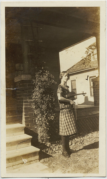 YOUNG GIRL WOMAN w VIOLA VIOLIN PROUD MUSICIAN POSES w INSTRUMENT