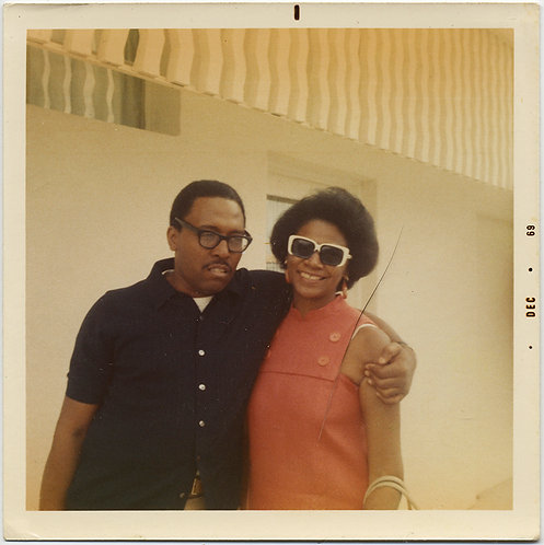 LOVELY COOL HIP BLACK AFRICAN AMERICAN COUPLE WOMAN w FUNKY HIP 60s SUNGLASSES