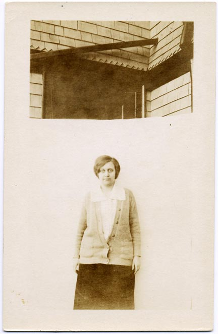 fp2108 (Woman-House-Split)
