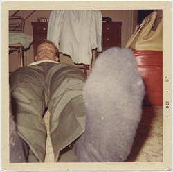 fp8289(Man-Socks-RedBag)