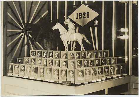 SUPERB 1928 KENT HIGH SCHOOL WASHINGTON YEARBOOK PHOTO of PHOTO DISPLAY