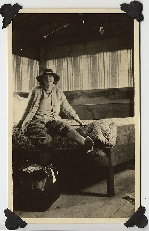 WONDERFUL EARLY HIKER WOMAN in NATIONAL PARK BUNK HOUSE UNPACKS READY to ROCK