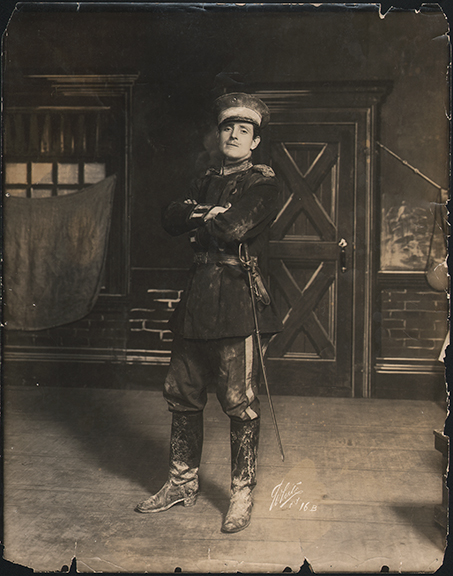 fp4203(White_PF_Theatrical_Soldier_Sword)