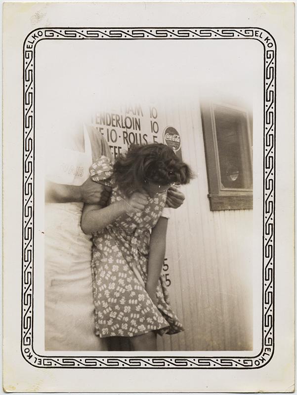 fp8762(Girl-Gripped-Tenderloin)