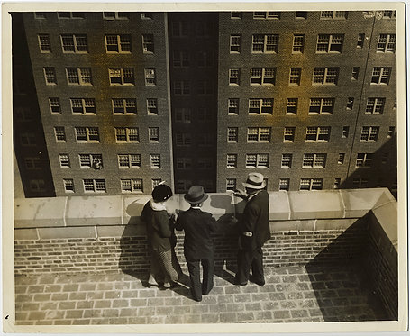 PRESS PHOTO MODERNIST COMPOSITION GROUP VISIT KNICKERBOCKER VILLAGE NYC HOUSING