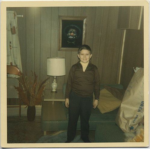 SMILING KID in 70s PANELED ROOM w LOOMING CLOWN PAINTING on VELVET! SCARY!