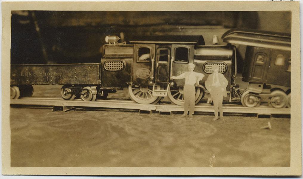 fp8883(Train-Toy-Model)