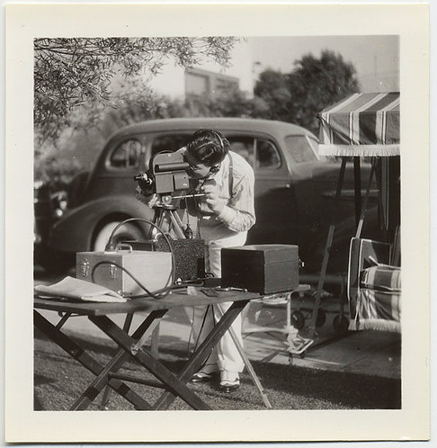 FABULOUS MOVIE CAMERA CAMERAMAN SHOOTS FILM DETAILED PHOTO