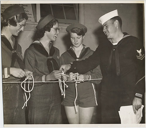 TIEING the KNOT SAILOR BOY TEACHES HAPPY WOMEN SAILOR CORPS HOW to TIE KNOTS