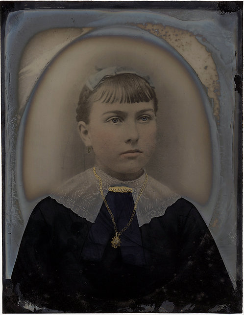 STUNNING TINTED FULL PLATE TINTYPE YOUNG GIRL w NECKLACE LACE COLLAR DISCOLORED