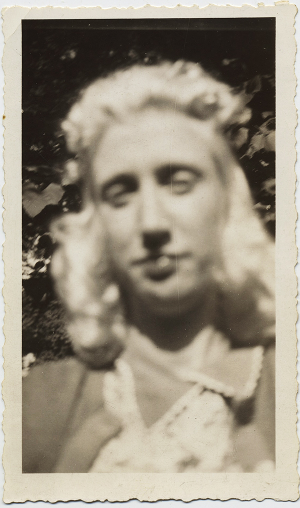 fp8745(Woman-Pale-Albino-Focus)