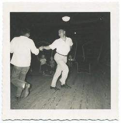 fp2652(2Men_Dancing)