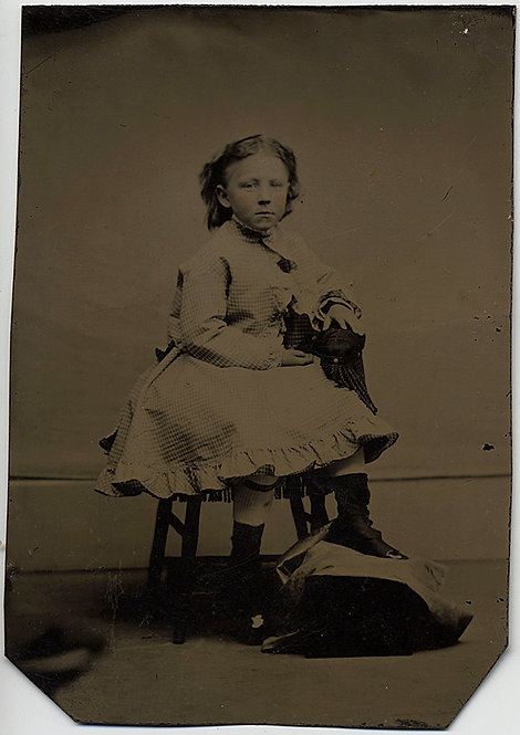 LOVELY TINTYPE of SERIOUS YOUNG GIRL in INTERESTING POSE