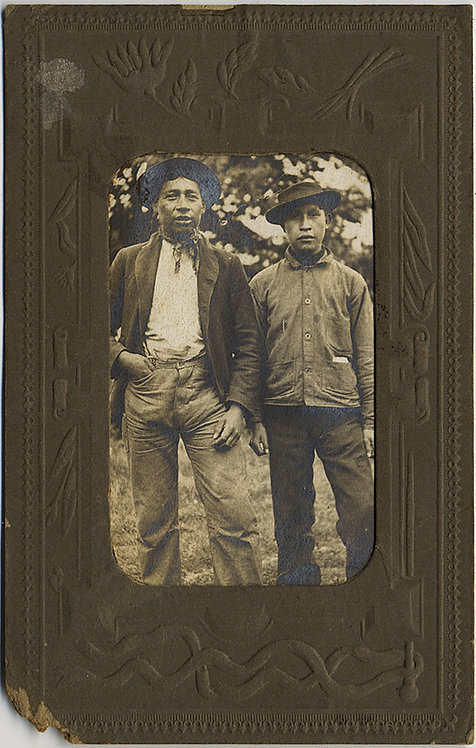 TONOWANDA INDIANS MIGRANT? WORKERS in LOVELY PORTRAIT w PRESSED PAPER FRAME