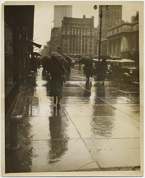 PRESS PHOTO LOVELY Boulevard of Broken Dreams -ish RAINY NYC PEDESTRIANS BEAUTY