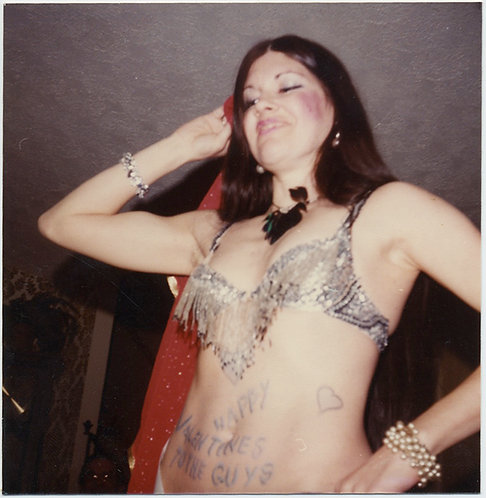 VALENTINE'S DAY SEXY BELLY DANCER w HAND WRITTEN MESSAGE on STOMACH! CAPTION