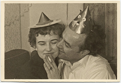 INTIMATE LOVING COUPLE in PARTY HATS KISS & SHARE CIGARETTE PORTRAIT TENDERNESS