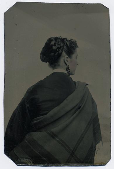 fp3356(TT_Woman_Back_Shawl-tinted)