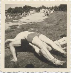 fp3732(Men-SwimSuits-HumanBridge)