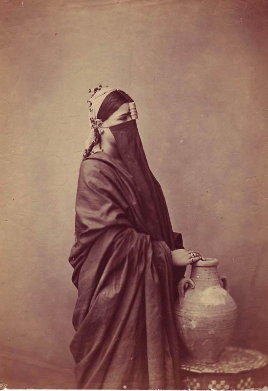 fp0140(EgyptianWomanWithWaterJug)
