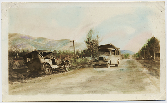 fp4437(Road_Autos_Mountains-tinted)