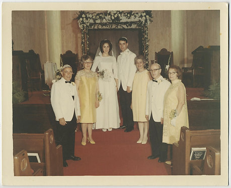 JEWISH GIANT WEDDING PICTURE OPTICAL ILLUSION v TALL BRIDE GROOM DWARF INLAWS