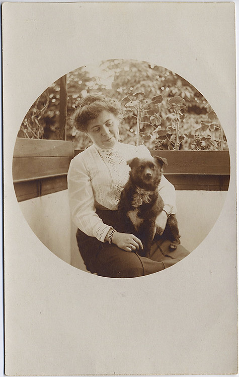 RPPC SUPER LOVELY ROUND PHOTO EDWARDIAN WOMAN & PET DOG