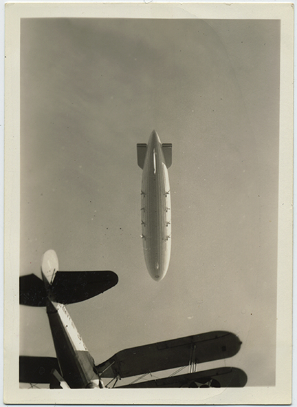 fp6204(Dirigible_SkyViewBOttom_AirplaneObscured)