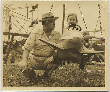 ADORABLE LITTLE GIRL w SMOKING DAD MERRY GO ROUND FUNFAIR AIRPLANE FERRIS WHEEL