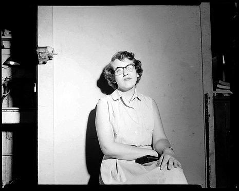 4x5 NEGATIVE PRESS PHOTO FLASH WISTFUL PENSIVE YOUNG WOMAN WALL PENCIL SHARPENER