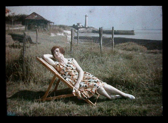 fp1507 (woman on deckchair - auction scan)