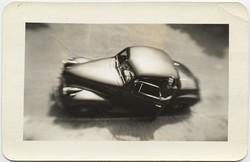 fp5290(Car_Woman_Blur_OverheadView)