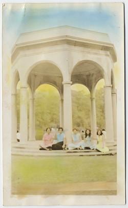 fp3789(Women_SeatedInGazebo-tinted)