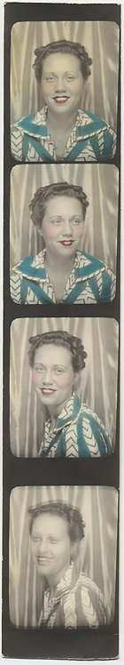 SUPERB COMPLETE PHOTOBOOTH STRIP TINTED WOMAN in AWESOME BLOUSE
