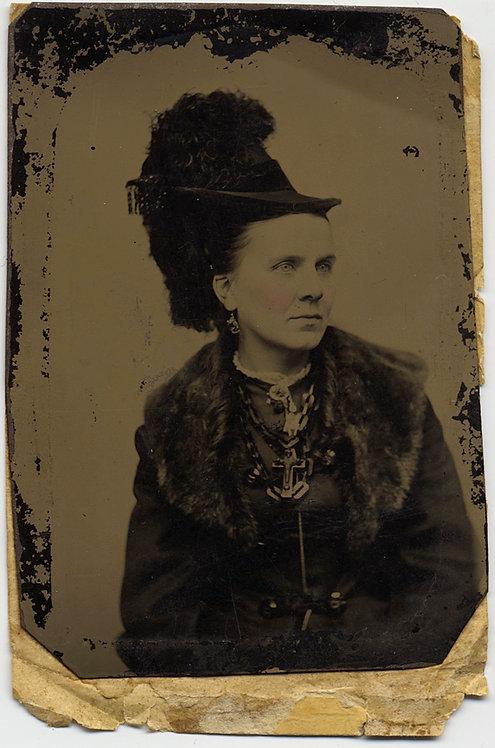 EXTRAORDINARY WOMAN in FUR COLLAR EXTRAVAGANT HAT CHUNKY JEWELRY & CRUCIFIX