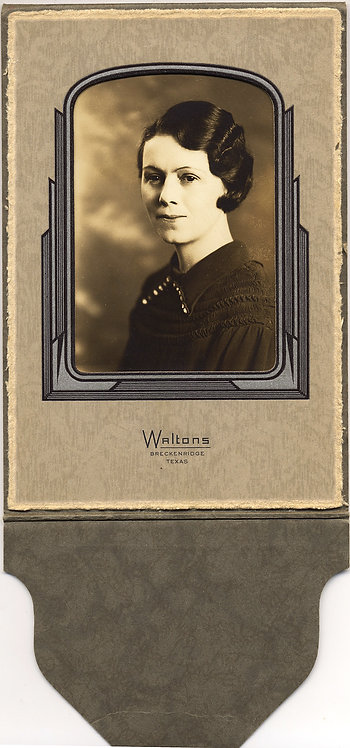 GORGEOUS FOLDED STUDIO PORTRAIT 30s WOMAN w PERM BOB WAVE HAIR WALTONS TX