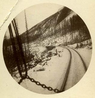 fp0049(K1_railroadtracksinsnow_detail)