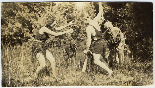 BIZARRE UNUSUAL WEIRD FIGHTING COUPLE in VINTAGE SWIMSUITS & OLD GUY DOG VOYEURS