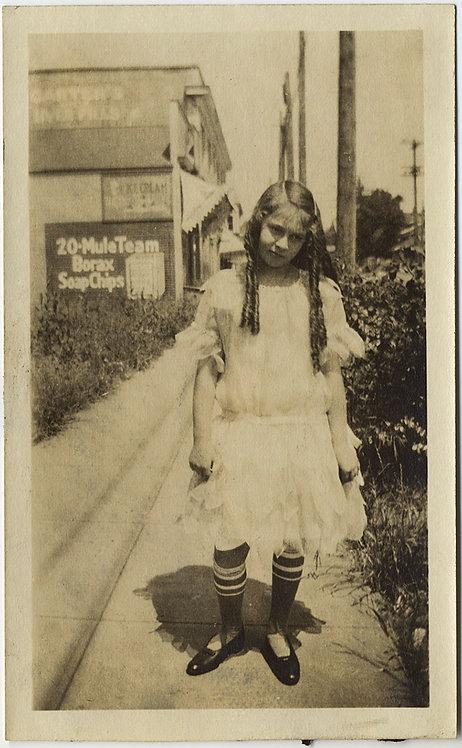STUNNING GIRL in STRIPED SOCKS RINGLETS 20 MULE TEAM BORAX SOAP AD