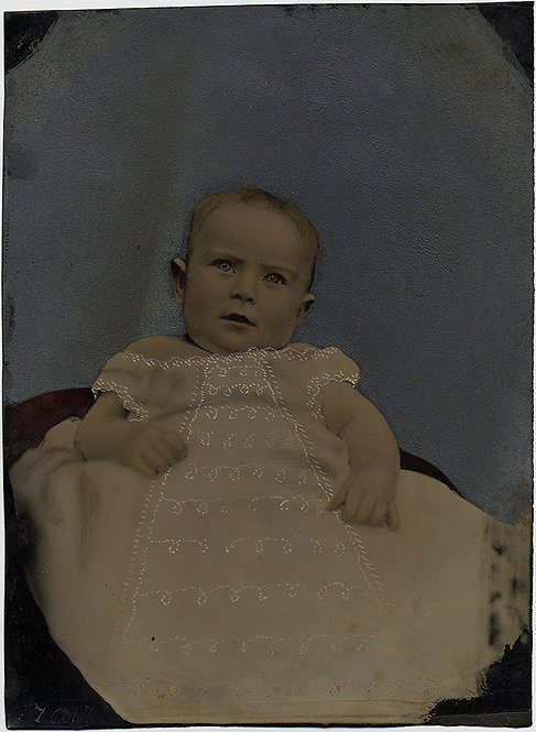 SUPERB DELICATE INFANT FULL PLATE TINTYPE HAND PAINTED CHRISTENING DRESS