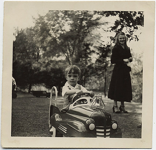 SUPERB BOY in PEDAL CAR! MOM WATCHES!