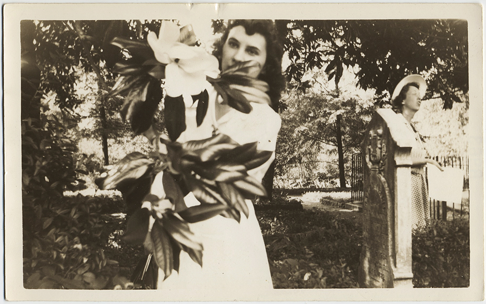 fp10307(Women-Cemetary-Magnolia-Flower).