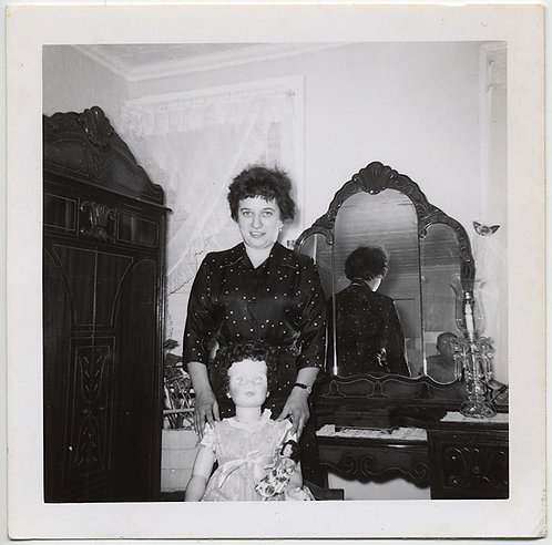 WEIRD UNUSUAL WOMAN w SCARY DOLL POSES in BEDROOM w MIRROR REFLECTION