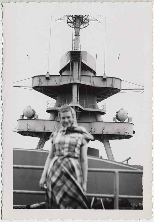 fp10309(Woman-Focus-Naval-Ship)