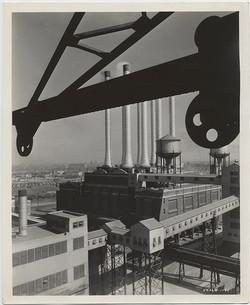 fp6610(Smokestacks_Buildings_Crane)