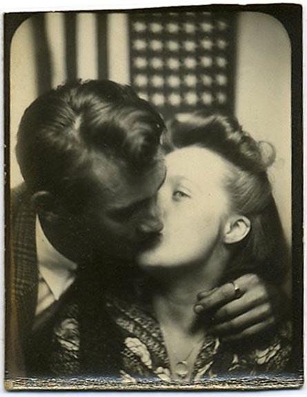 fp1790 (flag-kiss-pb)