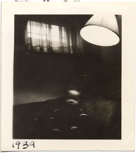 SCARY POSSESSED HAUNTING UNUSUAL BABY in the DARK with LOOMING LAMP 1939 Sidney
