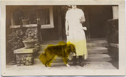 fp1824 (headless-woman-tinted-dog)